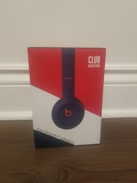 Beats wireless headphones  Toronto, M3J 1W2