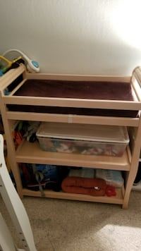 Baby changing table  SAINTPAUL