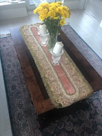 Accent table in a very good condition Toronto, M2N