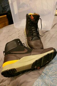 Nike acg size 13  District Heights, 20747