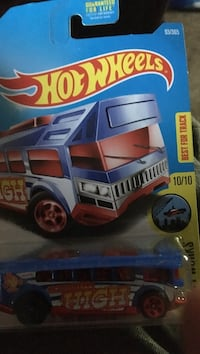 blue and red Hot Wheels die-cast car toy pack New Hope, 35760