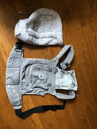 Ergo Baby Carrier with Infant insert Toronto, M2N 3T5