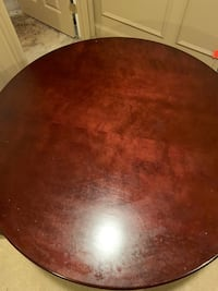 Round table pedestal wood 383 mi