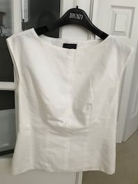 Cotton fitted top with zipper on the side, size medium. Purchased at Holt Renfrew. Reg was 179$ Montréal, H1J