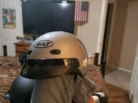 Motercycle helmet only worn a couple of times no s Irving, 75060