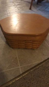 brown wooden wicker basket with lid Frederick, 21703