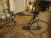 1970sblue schwinn  varsity. 10 speed bike