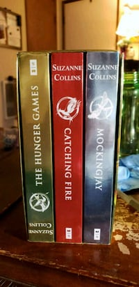 Hunger Games 3 book set Vancouver, 98662