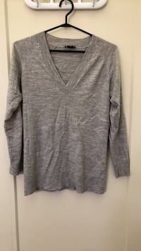 Theory gray sweater size S Toronto, M4K 1A4