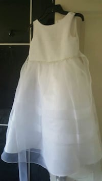 GIRLS white dress  Mississauga, L4Z 1N6