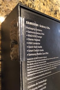 New Samsung S10e - 256 GB Telus Unlocked  In Factory Sealed Packing.