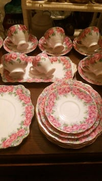 24 Piece Set Of Rose Of Sharon China Calgary, T2Y 2W5