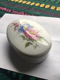 Mini Ceramic Jewelry Box