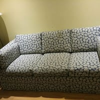 Hunter green fabric design double sofa bed Mississauga, L5N 6N8