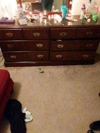 6 drawer dresser must pick up need gone asap