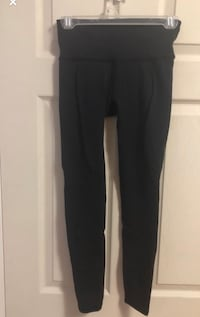 Lulu lemon leggings  Toronto, M3C 1X5