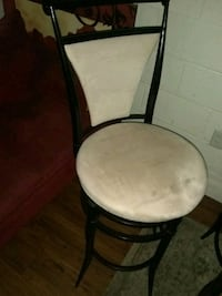 round brown wooden framed padded chair North Las Vegas, 89030
