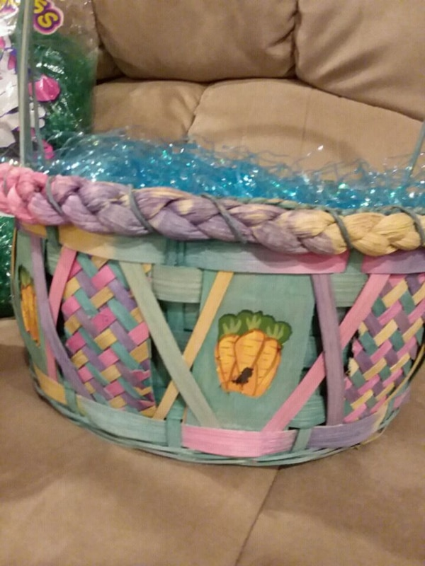 New --2 Beautiful Easter Baskets 2