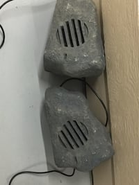 ndoor/outdoor granite rock Garden/Patio speakers Mississauga