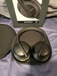 Bose wireless bluetooth headphones 700