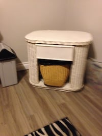 Small night stand or table Welland, L3C 5W1