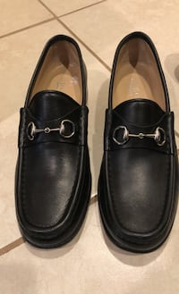 Gucci Leather Loafers (made in Italy), size 9 1/2 Womens.