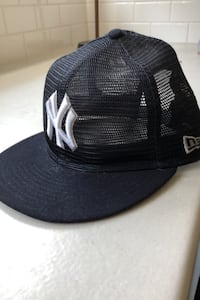 New era SnapBack Yankees  Kelowna, V1V 1R5