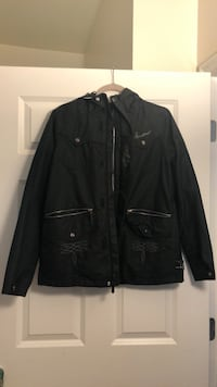 Burton women's snowboard jacket. Great condition, only worn about 10 times   Hoboken, 07030