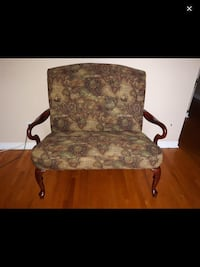 Beautiful 2 seater chair Great for office Montréal, H9H 2Z7