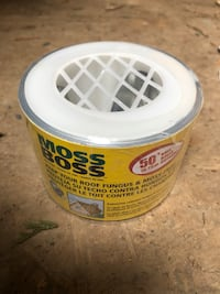 Super deal BNIB Moss Boss Keep your roof fungus & Moss Free Surrey, V3V 3H2