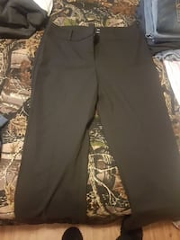 Le chateau dress pants  Moose Jaw, S6H 5S3