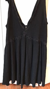 black kendall and kylie tank top (size medium) Fairfax, 22032