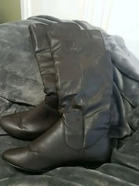 Size 8 brown boots  Calgary, T2Z 0A2