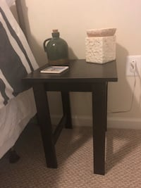 Dark brown end table  Ashburn