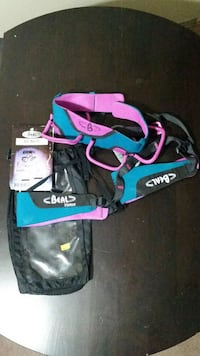 Woman's Beal Rock Climbing Harness London, N5Z 1J4