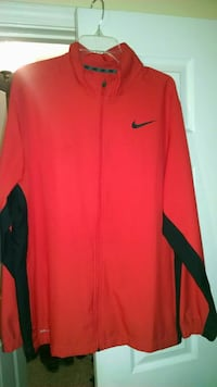 red and black Nike zip jacket sixe xl Columbus, 31909