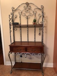 Beautiful bakers rack. Priced to sell!!! Markham, L3P 1R7