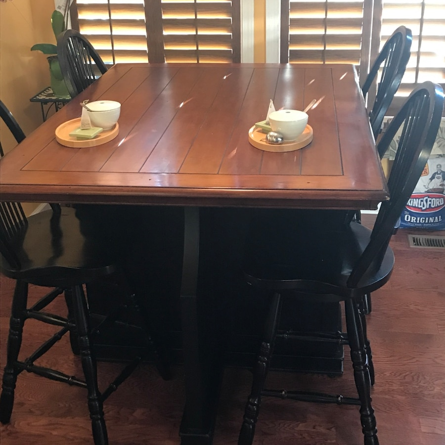 High Top Dining Table Set: Rectangle High Top Table And Four Chairs Dining Set In