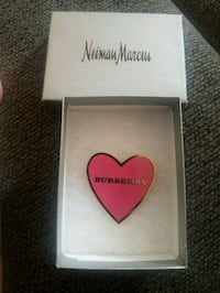 authentic burberry pin  Chicago, 60629