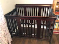 *New* Storkcraft Tuscany Convertible Crib