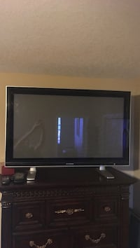 TV monitor 43 inch. Sylvania. Bradenton
