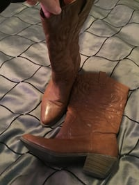 brown leather stacked heel cowboy boots Kitchener, N2M 2L2