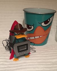 Perry the Platypus / Agent P Digital Alarm Clock and Radio & Trash Can—LIKE NEW 24 km