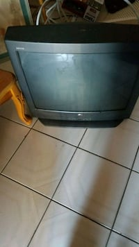 black CRT TV with remote Hialeah, 33012