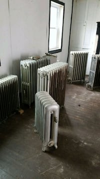 Vintage horizontal cast radiators  Woodsboro, 21798