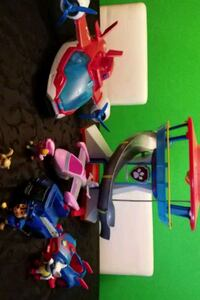 Paw Patrol playset items with caracters Edmonton, T5P 1P7