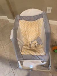 baby's white and gray bouncer Avondale, 85323