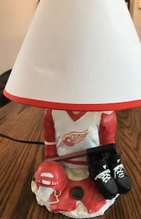 Detroit Red Wings Hockey Lamp Mississauga, L5B 3K3