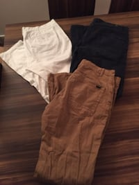 Pants. 32 size  pull and bear  Lachine
