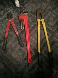Bolt cutters / lock cutters and pipe wrench
